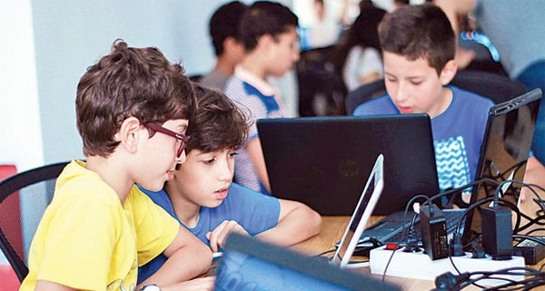 أفضل لغات برمجة يجب تعليم البرمجة للاطفال