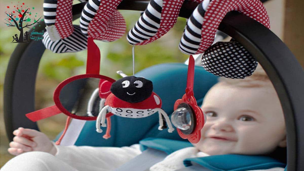 ألعاب السرير للأطفال الرضع