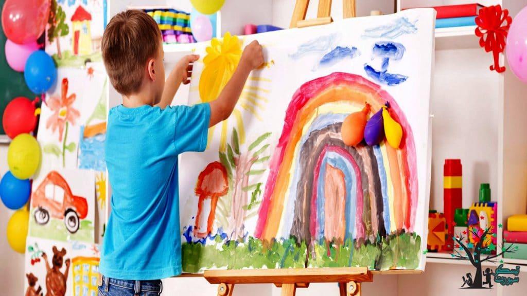 الأطفال الذين يحبون اللعب والمرح