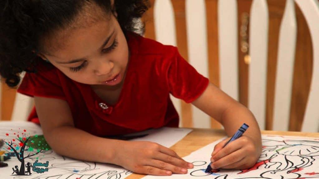 تعليم الطفل التلوين