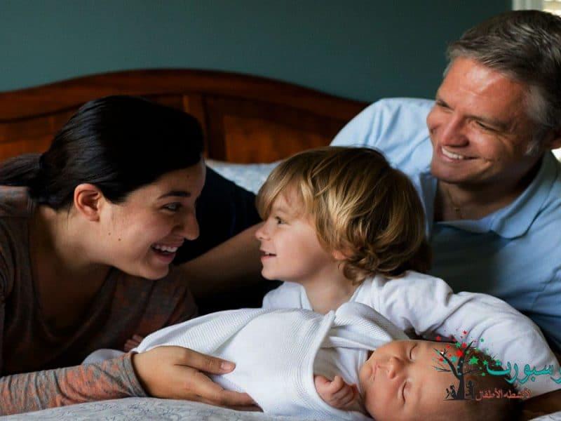 معلومات عن تربية الأطفال حديثي الولادة و 3 نصائح هامة