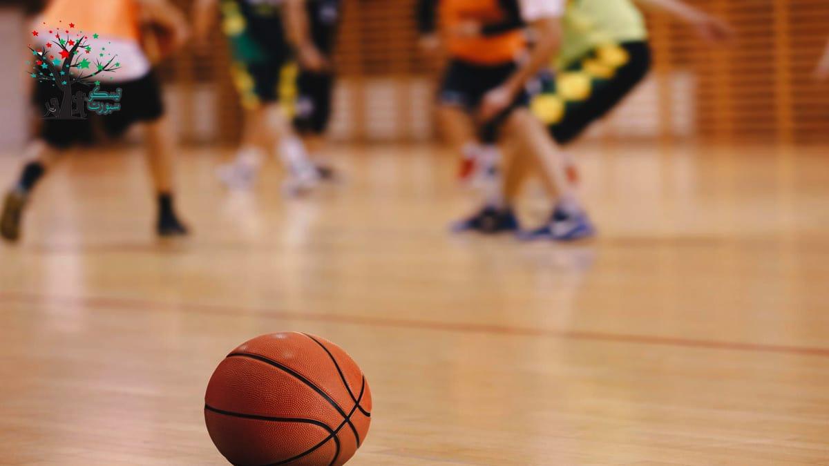 كرة السلة ومسابقة حركية للأطفال